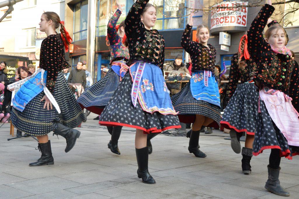 ľudové tance