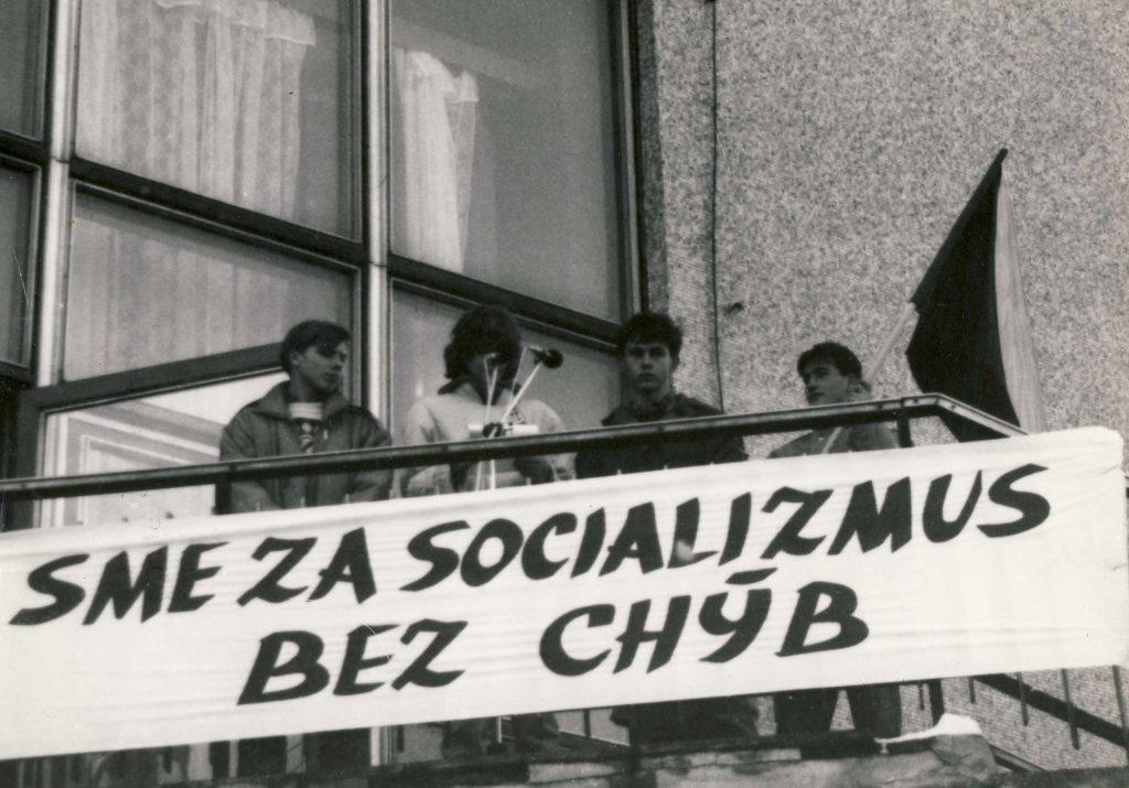 nezabúdame revolúcia šaľa