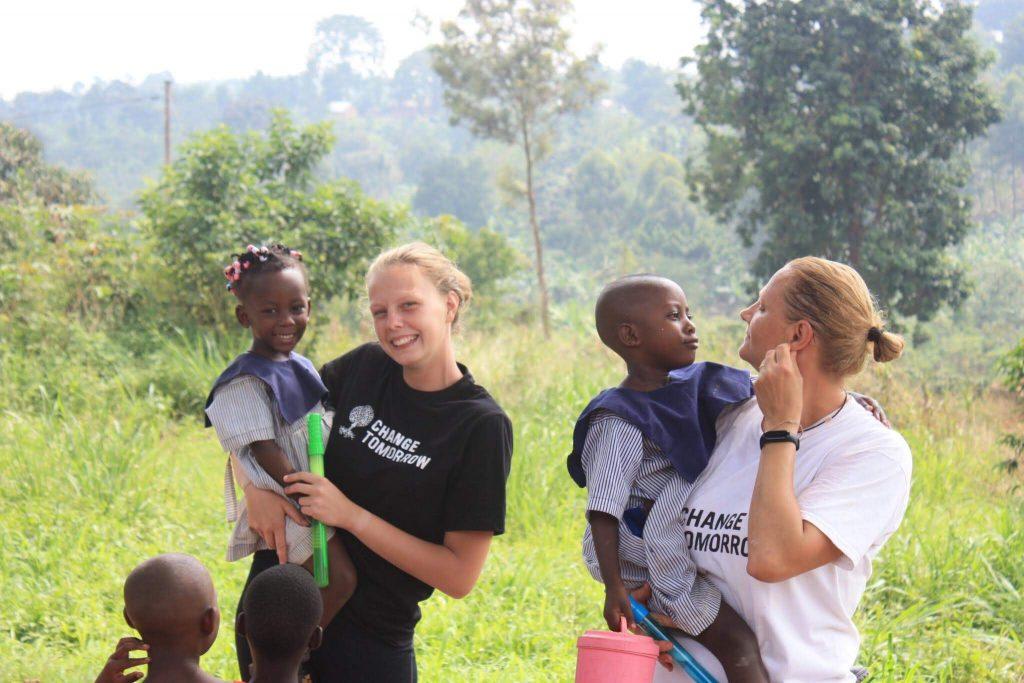 paťka s mamou robili dobrovoľníčky v ugande