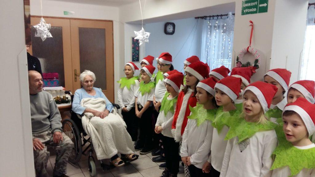 deti spravili radosť seniorom zo šale