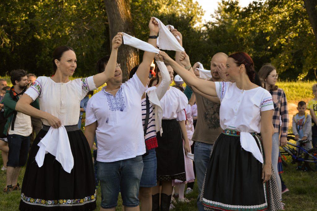 folklorny večer