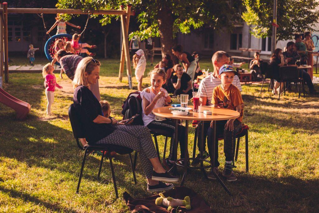 čajový piknik